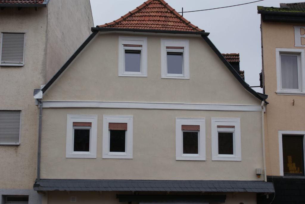 Mehrfamilienhaus in guter Lage, ca. 6% Rendite möglich